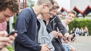 Handys neu in Zürcher Klassenzimmern erlaubt