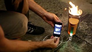 Strom aus Feuer: Der Ofen, der das Handy lädt