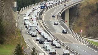 Video «Bergwelt Schweiz: Der Gotthard – Mobilität und Transport (5/5)» abspielen