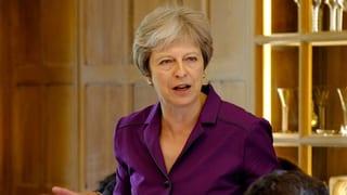 Theresa May in der Schusslinie