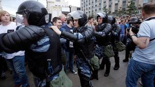 Putin-Kritiker Nawalny wird an Demonstration gegen Korruption festgenommen