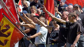 Israelitischer Gemeindebund will Verbot des Hitlergrusses