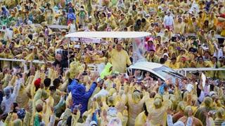 Tropensturm stoppt den Papst in Tacloban