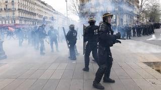 Nach Hollande-Interview: Gewaltsame Ausschreitungen in Paris