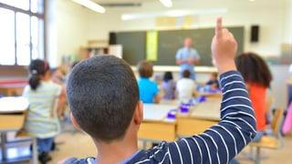 Naginas pretaisas minimalas en RG per scolas idiomaticas