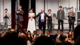 Opera Viva: 6000 aspectaturs