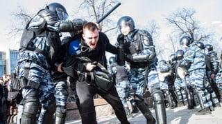 Video «Russland hat die Wahl – Der Kampf der Opposition» abspielen