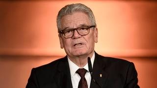 Gauck pretenda clera posiziun cunter Trump