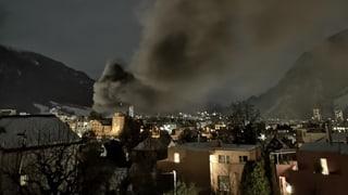 Postauto-Depot steht in Flammen (Artikel enthält Video)