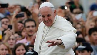 Papst in Albanien: Kritik an Islamisten