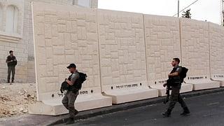Israel separa quartiers arabs e giedieus a Jerusalem