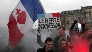 Tausende machen ihrer Wut über Hollande Luft