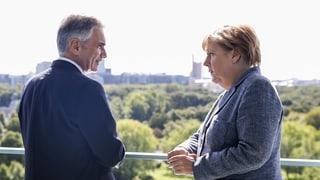 Merkel und Faymann wollen EU-Flüchtlingsgipfel