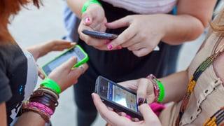 Wie viele Mobiltelefone gibt es in der Schweiz?