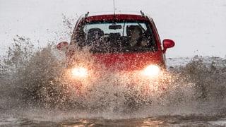 Regen ohne Ende: Es drohen Überschwemmungen und Erdrutsche