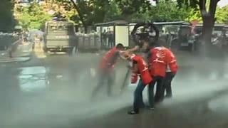 Tränengas und Protestfeuer: Krawalle in der Türkei