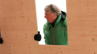 Video ««Alles fährt Ski» – Roman Signer schickt ein Chalet auf die Piste» abspielen