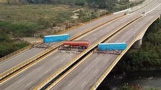 Maduro lässt Grenzbrücke für humanitäre Hilfe blockieren