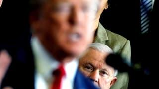 Donald Trump schwächt Sessions mit verbalen Attacken