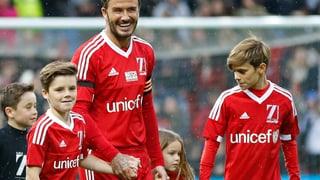 Vier gewinnt: Süsse Unterstützung für David Beckham