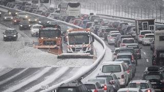 Die Nord-Süd-Achse wurde wegen schneebedeckten Fahrbahnen gesperrt