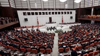 Türkei hebt Immunität von 138 Abgeordneten auf