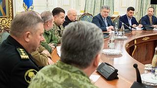 Poroschenko schlägt Parlament Kriegsrecht für 30 Tage vor