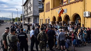 Millis da fugitivs èn arrivads en la Serbia