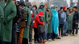 Raues Wetter stoppt Flüchtlinge