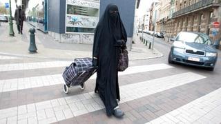 Regierung will Kopftuch und Burka nicht verbieten