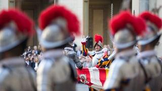 Garde, Geldwäsche und der Teufel: Geschichten aus dem Vatikan