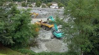 Felsmassen donnern während zwei Stunden ins Tal