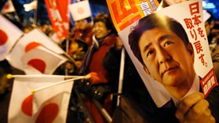 Japaner strafen Regierung ab