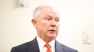 Minister da giustia lascha examinar las renfatschas cunter il FBI