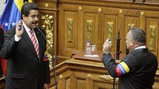 Venezuela nach Chávez: Amtseid im Machtvakuum