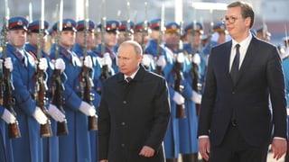 «Vucic sonnt sich in Putins Beliebtheit» (Artikel enthält Audio)