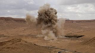Siria: Novs cumbats cunter la regenza