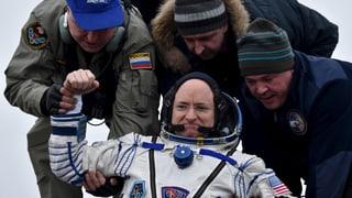 340 Tage im All: Raumfahrer kehren wohlbehalten auf Erde zurück