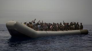 Libia serra la costa per bastiments da salvament