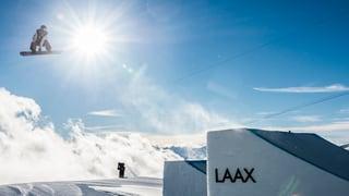Laax mida partenari per sias cursas da snowboard