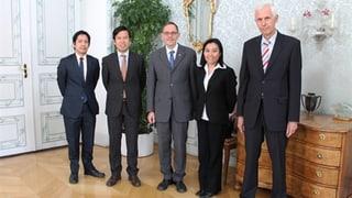 Ambassadur da las Filippinas sin visita tar la regenza grischuna