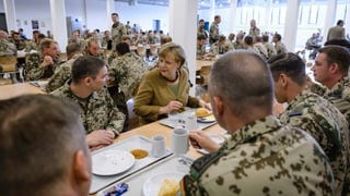Merkel besucht ihre Truppen in Afghanistan