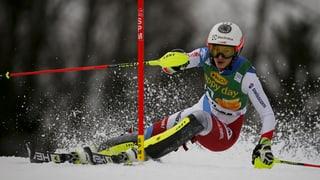 Omaduas cursas da skis dattan en la plievgia