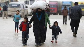Grenze zu: Zehntausende Flüchtlinge vor Türkei blockiert