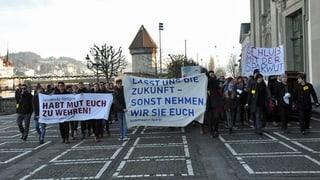 Schüler wehren sich gegen Luzerner Sparpläne