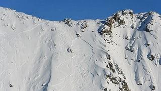 VS: Skiunza mora en ina lavina