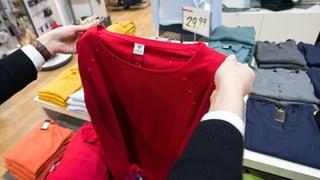 Kleider-Label: Keine eindeutige Hilfe