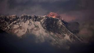 Lawinenunglück am Mount Everest reisst Sherpas in den Tod