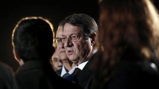 Zyperns Staatschef wirbt für umstrittenes EU-Hilfspaket