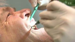 Wer zu kräftig putzt, tut seinen Zähnen keinen Gefallen